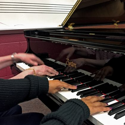 /features/the-boston-chronicle/winter-2016/steinway-boston-elon-university